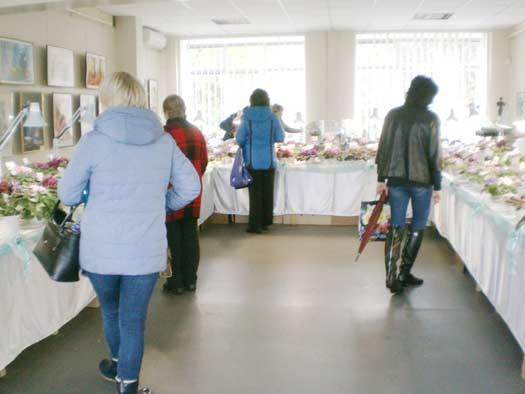 первые посетители выставки